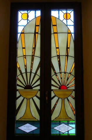 Arredo sacro realizzazione vetri decorati per chiese e - Vetri colorati per finestre ...