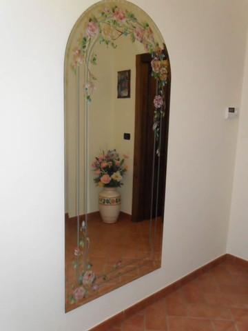 Decorazione sabbiatura pittura e foglia oro di specchi - Specchi da ingresso ...