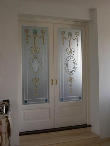 realizzazione vetri artistici per porte classiche: pitturati ... - Vetri Sabbiati Per Porte