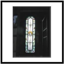 Arredo sacro realizzazione vetri decorati per chiese e for Arredi cimiteriali